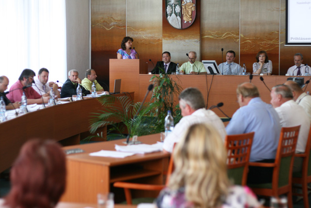 zasadnutie-mestskeho-zastupitelstva-2010-7-7.jpg