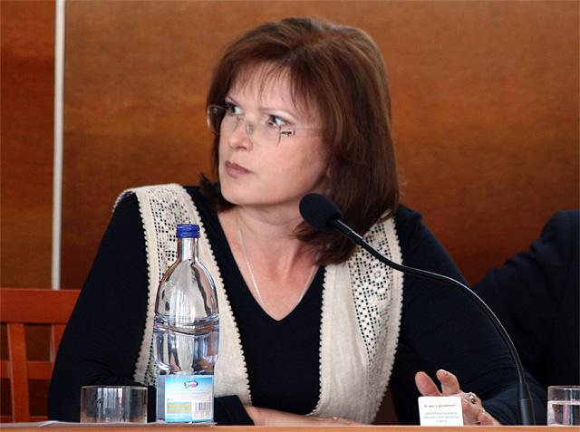 zastupitelstvo-cadca-belousovova-2009.jpg