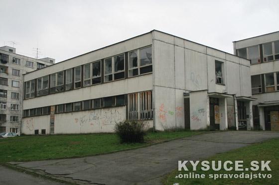Bude zo zdevastovanej budovy na sídlisku nájomný bytový dom?