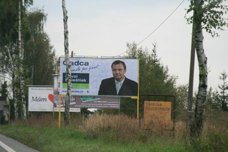 Volebná kampaň sa začína v novembri, bilbordy už visia