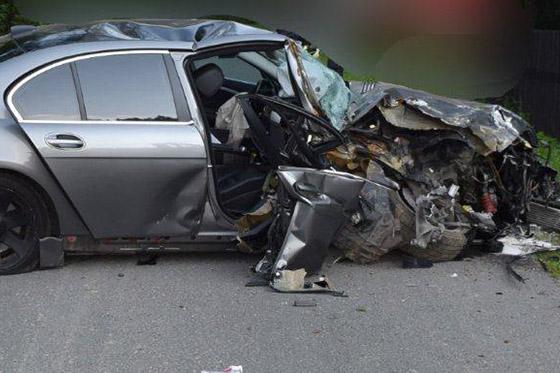 25-ročný Pavol z Čadce vrazil do stĺpu a zranil dvoch spolujazdcov