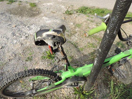 Mladá šoférka zrazila na Zákopčí cyklistu, ten nehodu neprežil