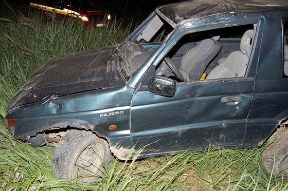 Opitý vodič sa prevrátil s vozidlom, jeho 25 ročný spolujazdec zahynul