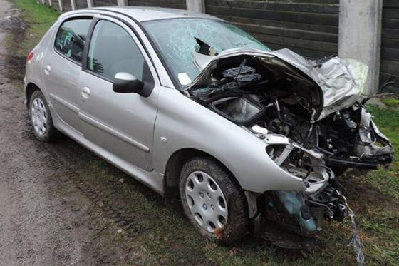 39 ročná vodička utrpela pri nehode ťažké zranenia, ktorým v nemocnici podľ