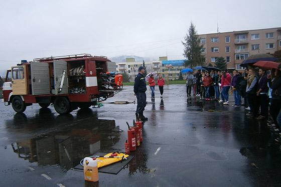 Návšteva hasičov v ZŠ na Ul. M.R. Štefánika v Čadci