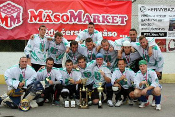 Hokejbal: Turnajový pohár putoval do Kysuckého Nového Mesta
