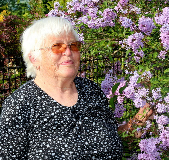Kysucká insitná výtvarníčka z Rakovej pani Irenka Zemaníková oslavuje životné jubileum