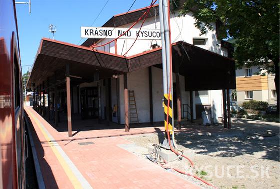 Na železničnom priecestí v Krásne nad Kysucou zabil vlak 28-ročného muža