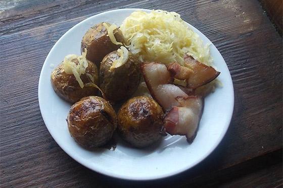 Kuchyňa starých materí - Zemiaková nedeľa+ recept na zemiaky so slaninou
