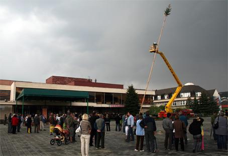 Stavanie mája na Kysuciach je obľúbená tradícia