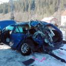 18 ročný vodič vošiel autom na priecestie, zrážku s vlakom neprežil jeho spolujazdec