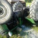 Tragická udalosť na Podvysokej. 61 ročného muža privalil traktor, zraneniam podľahol