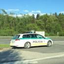 46-ročný vodič ušiel z miesta nehody, zastavila ho hliadka a nafúkal 2,33 promile