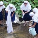 Moja milá šaty prala - ľudové tradície pri praní na potoku vpodaní FS Makovanka v skanzene Vychylovka