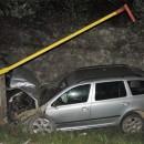 43 ročný Peter vrazil v obci Skalité do stĺpov a zranil aj spolujazdca. Nafúkal 3,04 promile