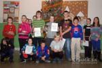 Stolnotenisový vianočný turnaj O pohár riaditeľa školy v Novej Bystrici pozná víťazov