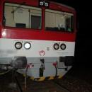 Tragická zrážka traktora s vlakom v obci Svrčinovec, vodič nafúkal 2,44 promile
